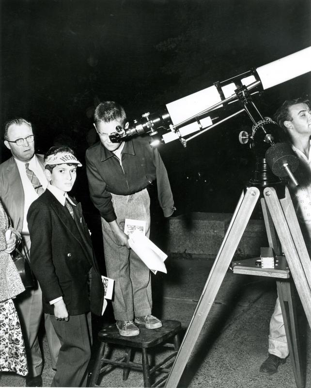 Telescope at CNE